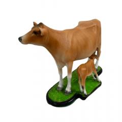 Miniatura de Vaca Jersey e Bezerro